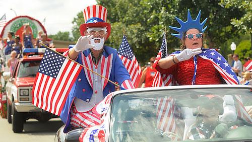 独立記念を祝うアメリカ人